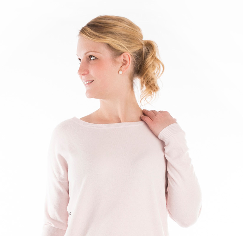 Damenmode-Basics-repeat-cashmere-new-balance-shooting-johanna-witt-outfit-damenmode-onlineshop-sailerstyle-model-001